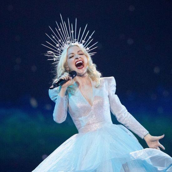 """""""Євробачення-2019"""": учасниця з Австралії """"політала у космосі"""" під час виступу"""