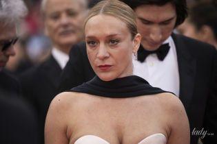 Канны-2019: Хлоя Севиньи надела неудачное платье, сдавившее ей грудь