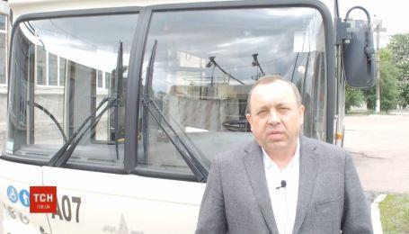 Невідомі обстріляли рейсовий автобус у Кропивницькому