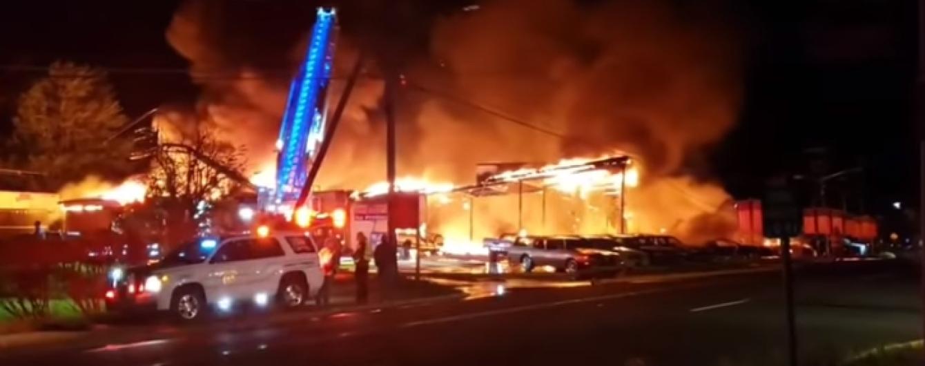 На зніманнях серіалу від HBO згоріло 50 раритетних авто. Відео