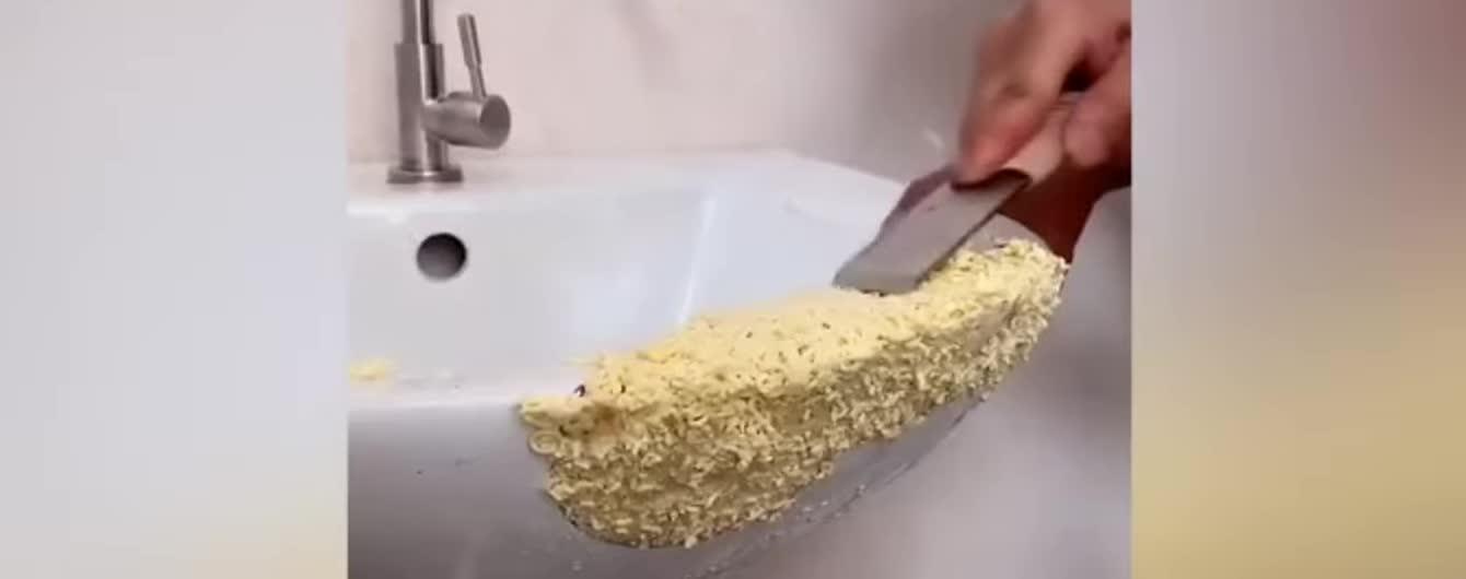 Лапшой, рисом или крекерами: китаец ремонтирует все вокруг едой