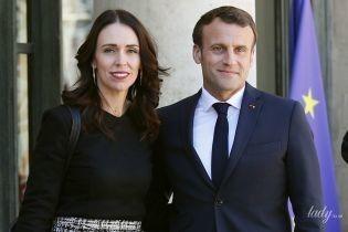 Премьер-министр Новой Зеландии Джасинда Ардерн пришла на встречу с Макроном в старых туфлях