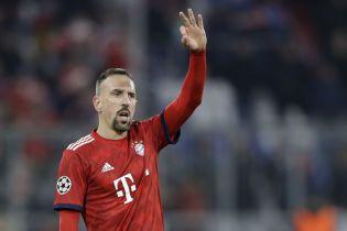 """Футболист """"Баварии"""" расплакался на прощальной пресс-конференции одноклубника"""