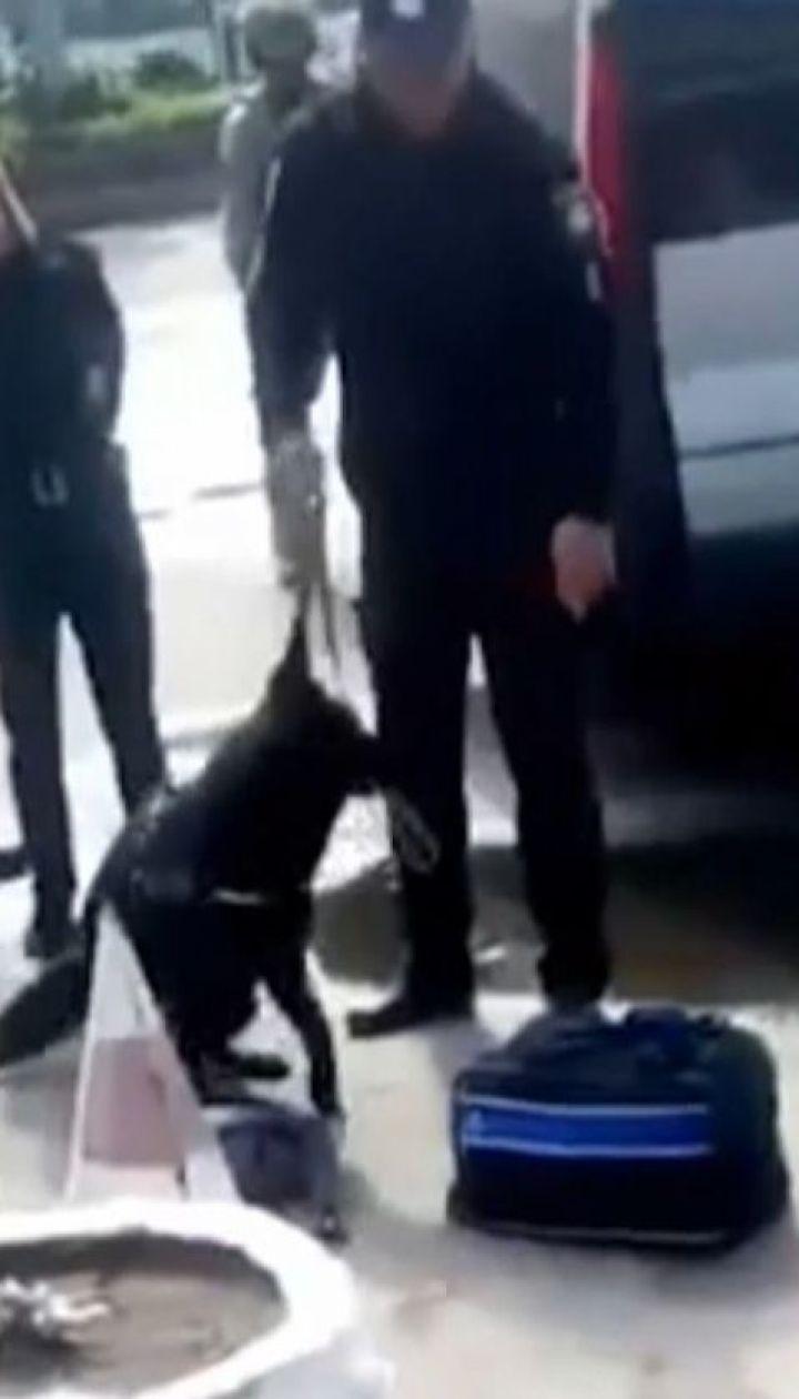 У Житомирі серед білого дня затримали торговців кокаїном