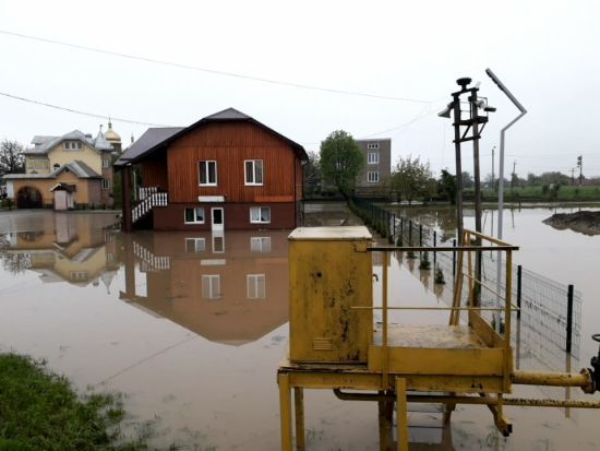 На Прикарпатті унаслідок потужних дощів підтопило понад 300 будинків