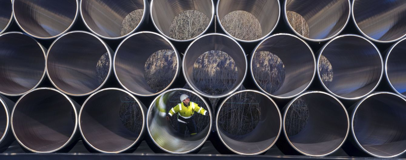 """Меркель собирается обсудить с Зеленским транзит газа после запуска """"Северного потока-2"""""""