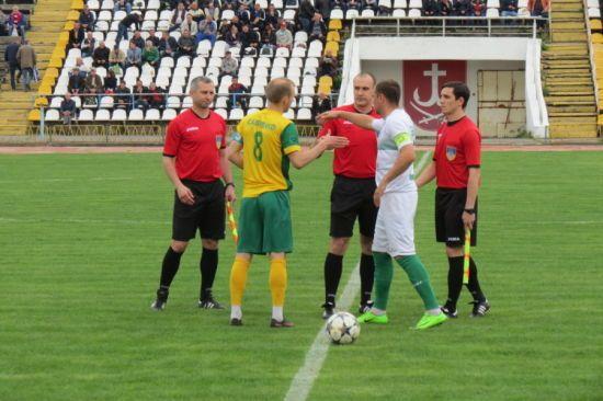 У Вінниці футбольні фанати побили суддю після матчу Другої ліги