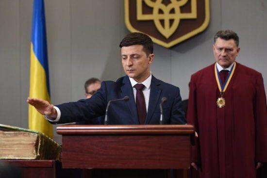 Жарти про дату інавгурації Зеленського та глум з партії Вакарчука. Тренди Мережі