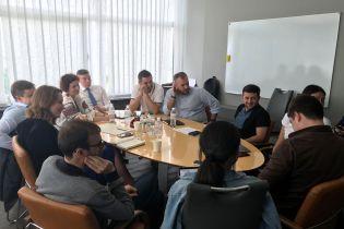 Зеленский встретился с международными рекрутерами - ищет кадры на госслужбу