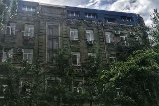 Киянин на горищі висотки зареєстрував вісім нових квартир