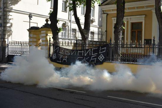 Резиденцію російського патріарха Кирила закидали димовими шашками через протести в Єкатеринбурзі