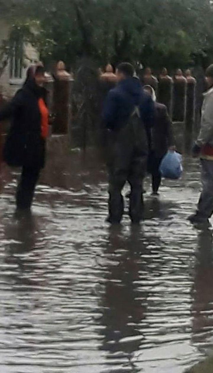 У Рокитному внаслідок потужного дощу підтопило десятки господарств