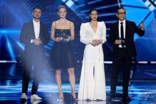 """У сукні з напівпрозорим ліфом: ведуча Бар Рафаелі в цікавому образі з'явилася на другому півфіналі """"Євробачення-2019"""""""