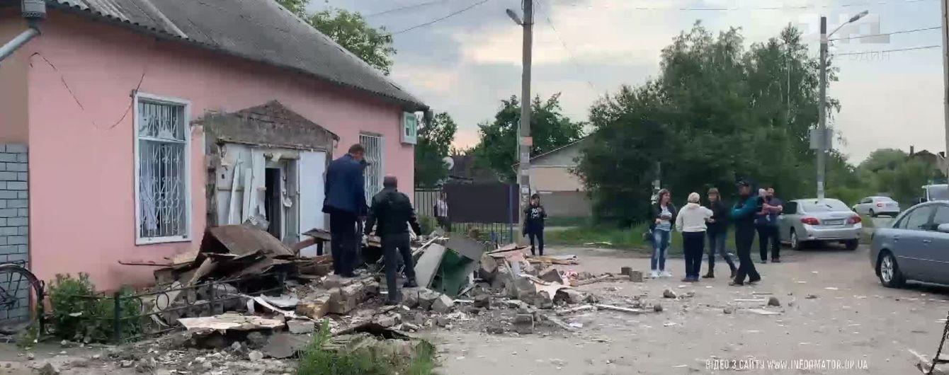 На Днепропетровщине взорвали банкомат и вытащили из него полмиллиона