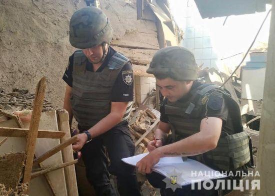 Реактивний снаряд бойовиків влучив у житловий будинок на Луганщині