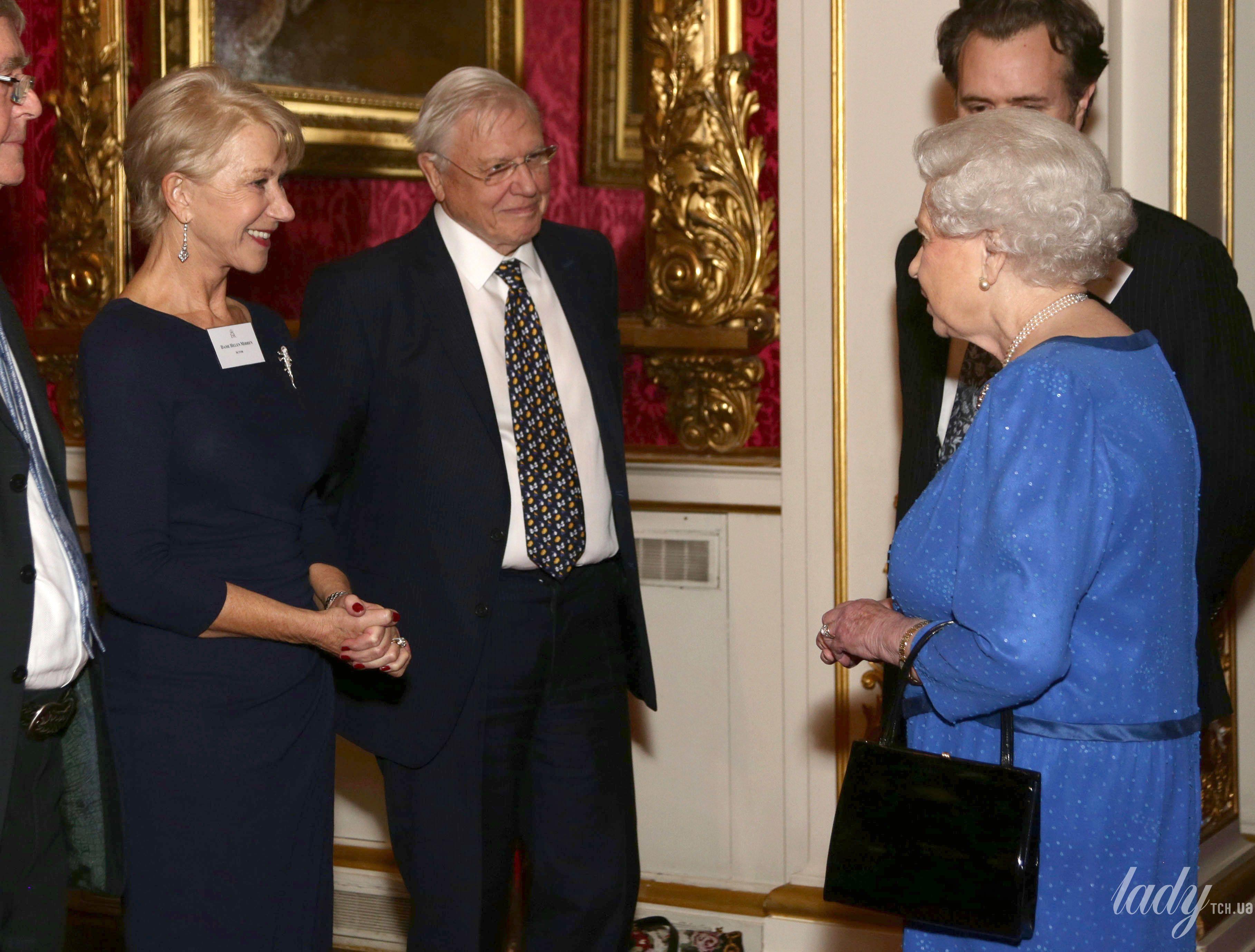 Королева Елизавета II и звезды_1
