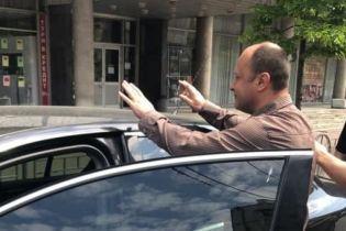 Военная прокуратура схватила группу чиновников во главе с председателем Госслужбы занятости на откатах