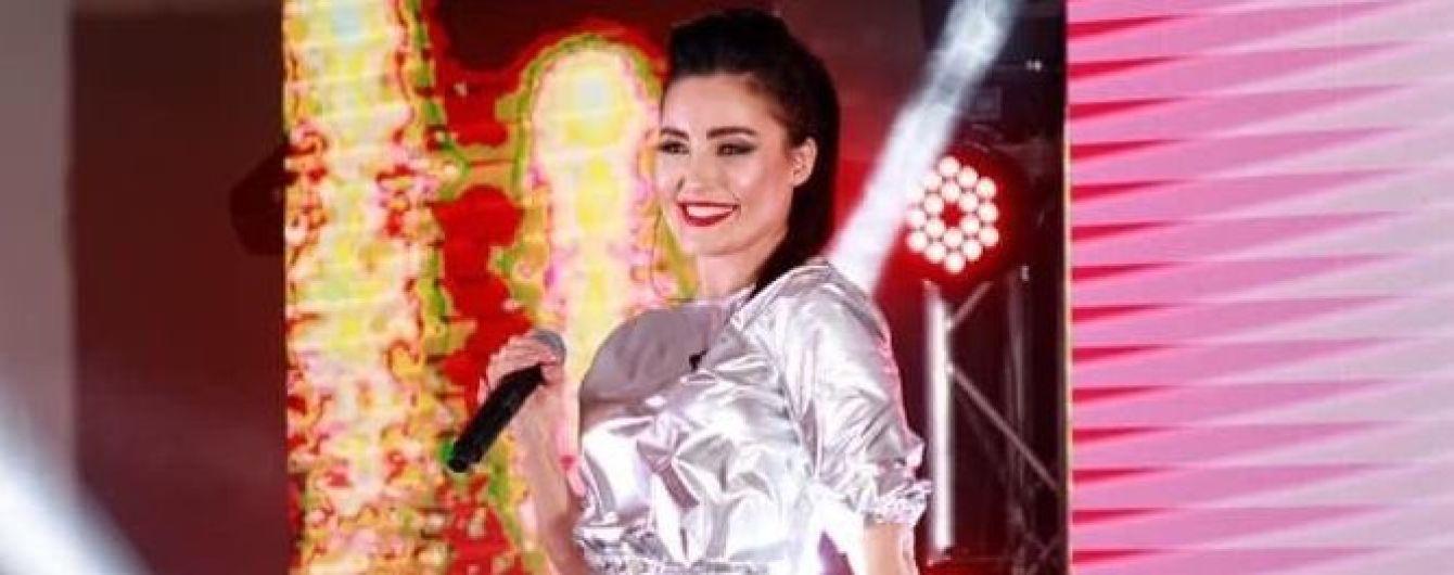 В образе космической феи: Анна Добрыднева выступила на благотворительном вечере