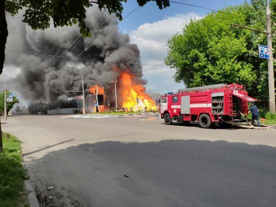У Житомирі палала автомобільна заправка, є постраждалі