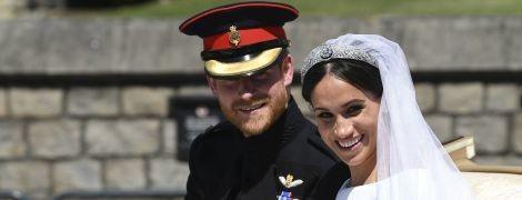 Как трогательно: герцог и герцогиня Сассекские в день годовщины свадьбы поделились новыми снимками с торжества
