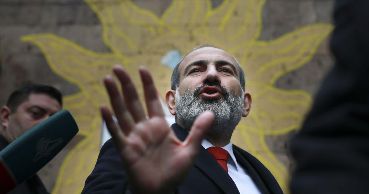 Политический кризис в Армении: Пашинян уйдет в отставку в конце апреля