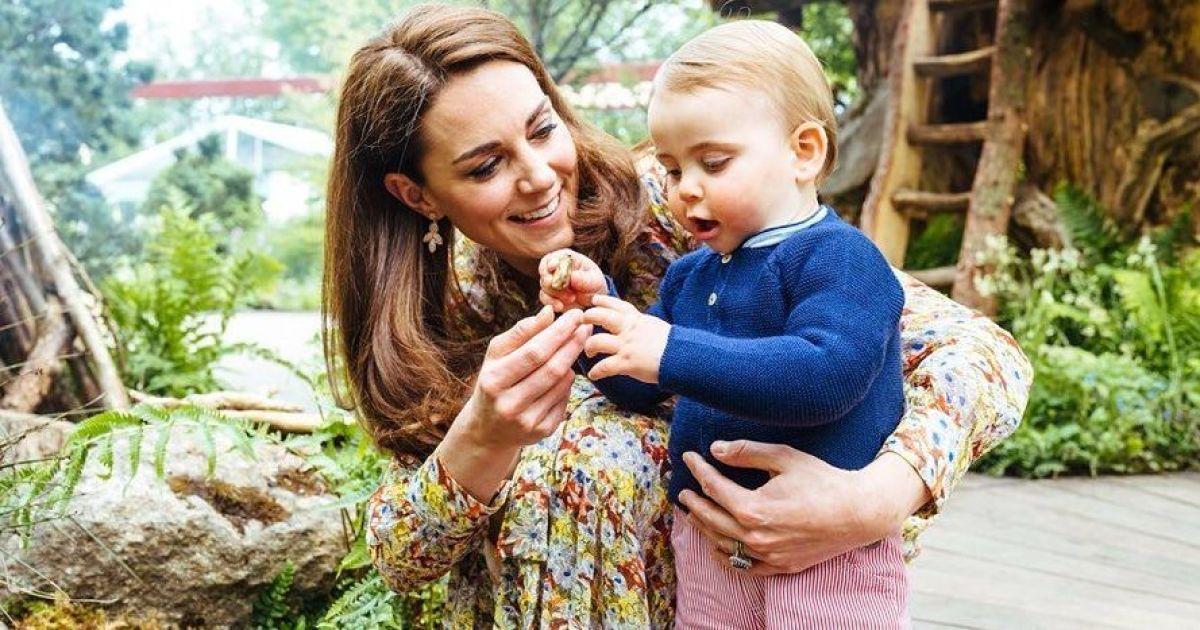 Це так мило: Кембриджі зняли фотосесію з дітьми у красивому квітковому саду