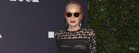 Це сміливо: 61-річна Шерон Стоун у сукні-сітці прийшла на світську вечірку