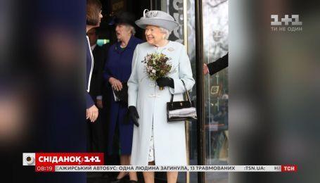 Королева Елизавета II ищет личного SMM-менеджера
