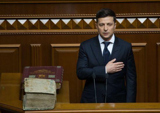 Розпуск парламенту, перші завдання і заклики до звільнення: ключові тези з першої промови Зеленського