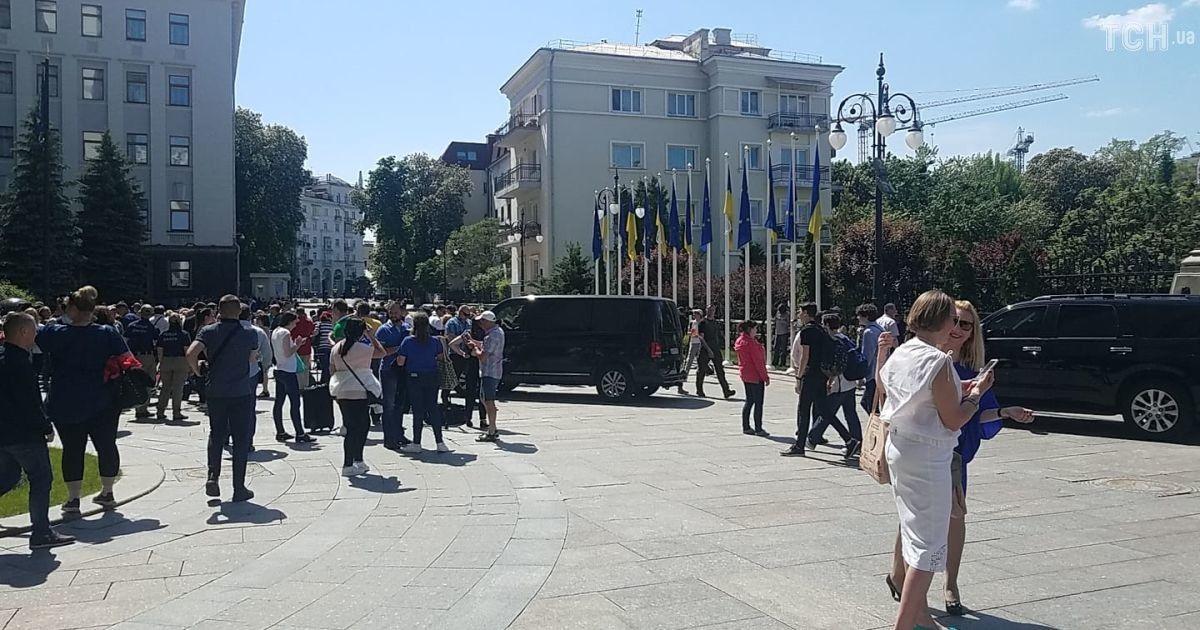 По Банковой можно свободно гулять @ Фото Дмитрия Фурдака/ТСН