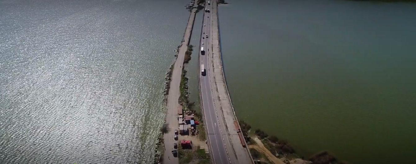 На трассе Киев-Одесса строят мост, который заморозили более десяти лет назад