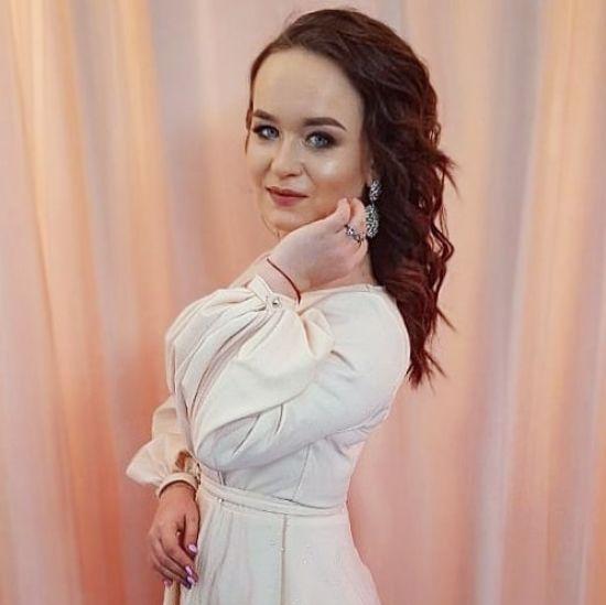 """Переможниця """"Голосу країни"""" Олена Луценко випустила весільну пісню"""