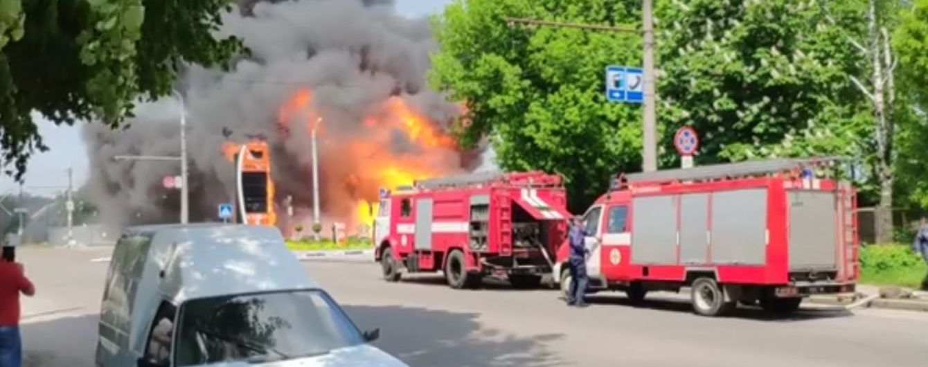 Перед пожежею на заправці у Житомирі стався витік газу – очевидці