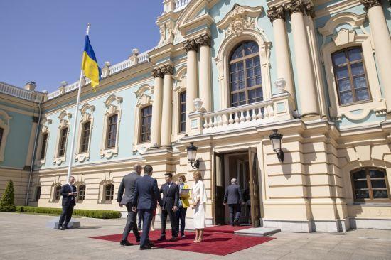 Позитивні сигнали: Зеленський провів перші зустрічі з президентами і гостями з ЄС