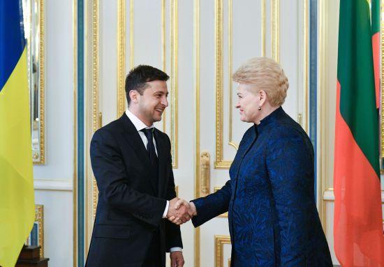 Зеленський прийняв президентів Литви, Латвії та Угорщини