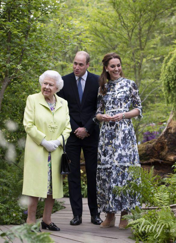 Герцогиня Кембриджская и королева Елизавета II_9