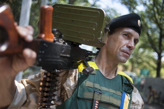 Терористи 10 разів обстрілювали українських військових, двоє бійців ООС поранені