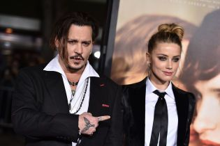 """""""Она нарисовала синяки"""": Джонни Депп впервые прокомментировал обвинения экс-супруги в избиении"""