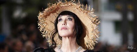 У вечірній сукні і солом'яному капелюшку: несподіваний вихід Ізабель Аджані на червоному хіднику Канн