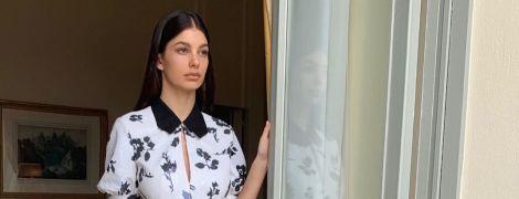 У міні-сукні з квітковим принтом: кохана Ді Капріо – Каміла Морроне, в Каннах