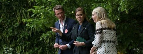 В балетках і картатому пальті: принцеса Беатріс відвідала квіткову виставку в Челсі