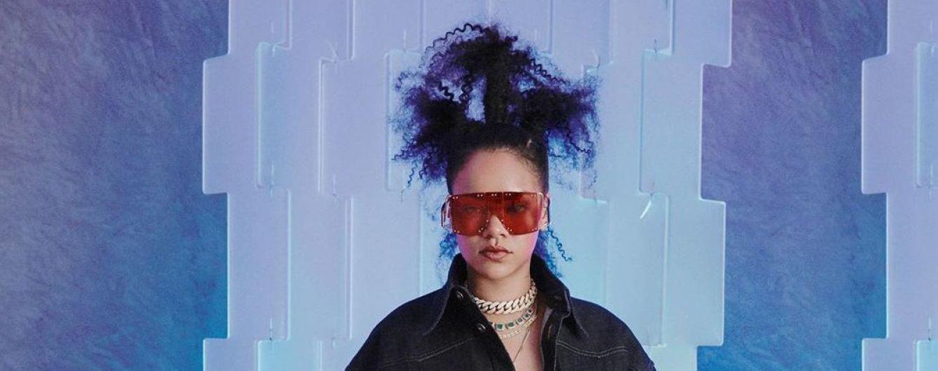 Аппетитная Рианна с чудаковатой прической представила дебютную коллекцию одежды
