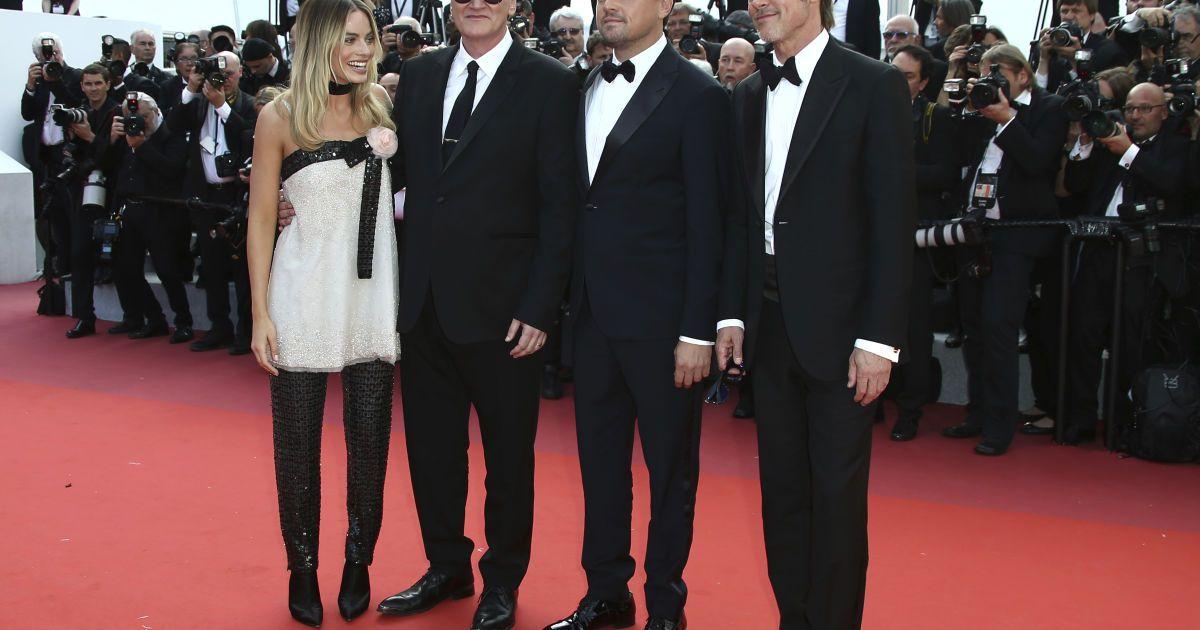 Марго Робби, Квентин Тарантино, Леонардо Ди Каприо и Брэд Питт @ Associated Press