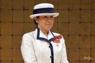 В ефектному білому костюмі і капелюшку: перший офіційний вихід нової імператриці Японії