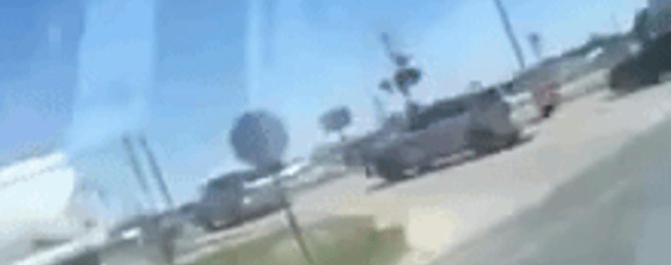 Очевидец снял жуткое столкновение полицейского авто и поезда в США
