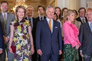 А платья все ярче: королева Матильда появилась на концерте в интересном аутфите