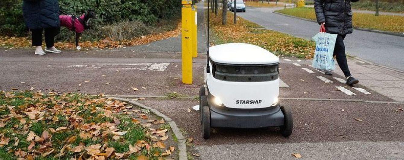 Ford тестирует беспилотных минироботов для доставки товаров