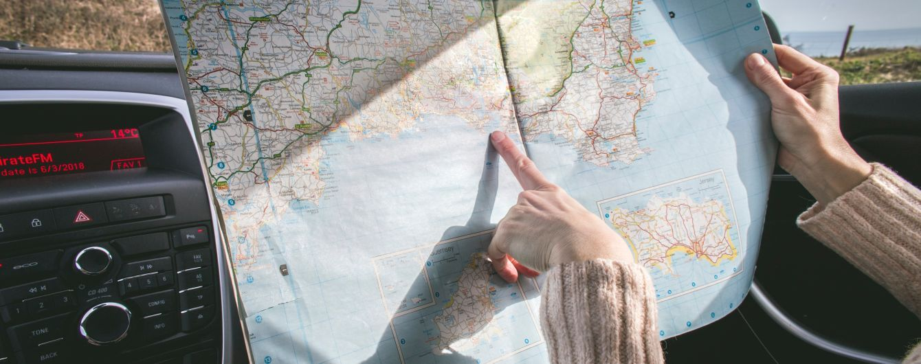 Подорож за кордон на авто: в МВС розповіли про перелік необхідних документів