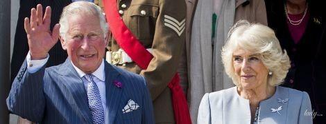 В красивом голубом пальто: герцогиня Корнуольская с мужем приехала в Северную Ирландию