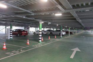У Борисполі скасували акційні тарифи на новому багаторівневому паркінгу
